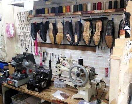 明石 大久保 靴修理 合鍵 ディンプルキー 時計修理 電池交換 鞄修理 プラスワン イオン明石店