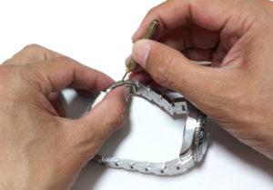 腕時計のバンドベルトのサイズ調整1-2