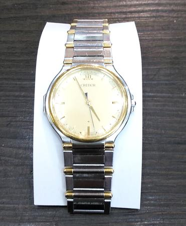 姫路で安い時計の電池交換オーバーホール分解掃除なら靴修理とイオンタウン姫路店まで