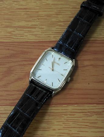 安い時計の電池交換 尼崎 園田 靴修理 合鍵作製 イオン尼崎1F プラスワン
