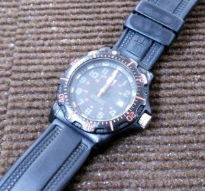 ルミノックス時計の電池交換