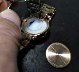 尼崎時計の電池交換