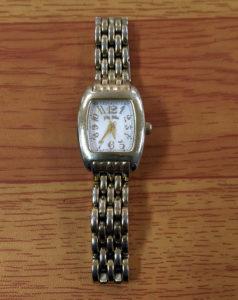 松戸で安い時計の電池交換