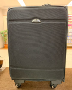スーツケースのタイヤ交換!