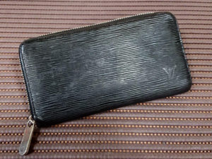ルイヴィトン 財布修理 ファスナー交換