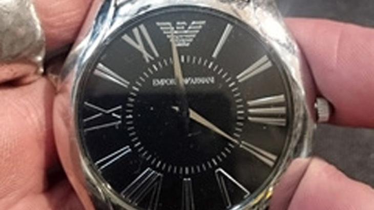エンポリオアルマーニEMPORIO ARMANI腕時計の電池交換