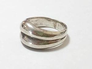 指輪のサイズを大きく