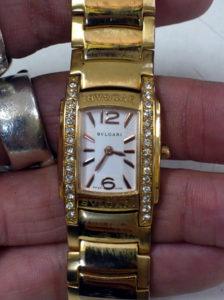 ブルガリBVLGARIの腕時計の電池交換