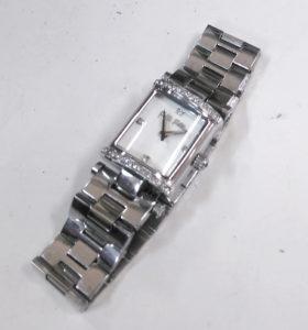 フォリフォリの時計の電池交換