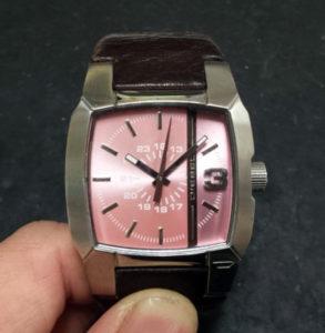 DIESELディーゼル時計の電池交換