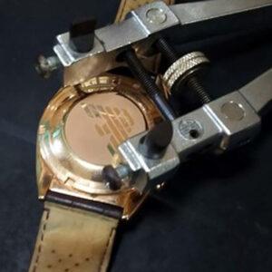 アルマーニ 腕時計 Armani 電池交換